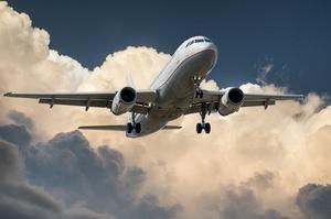 Квітневий обсяг авіарейсів цього року демонструє зростання