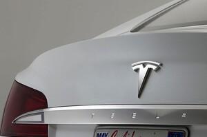 Tesla веде переговори з китайською EVE про постачання недорогих акумуляторів – Reuters
