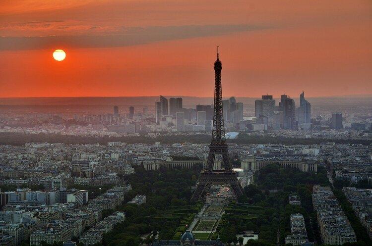 У Парижі заборонять рух автомобілів у центрі міста