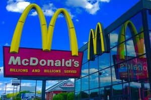 McDonald's довелось збільшити середню заробітну плату для своїх працівників у США
