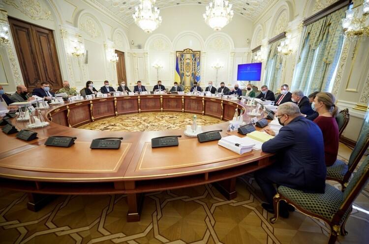 РНБО ввела санкції проти 557 «злодіїв у законі» та 111 кримінальних авторитетів