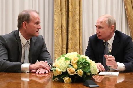 Чужой среди своих: как укрощение олигархов формирует украинскую государственность