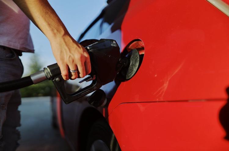 Мережі АЗС OKKO і WOG також відновили продаж преміального пального