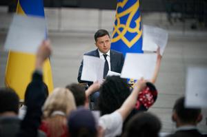 ЗЕволюція: як змінювалися меседжі президента з найболючіших для України питань