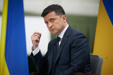 Смена караула: зачем Владимир Зеленский выселяет бывших чиновников с госдач