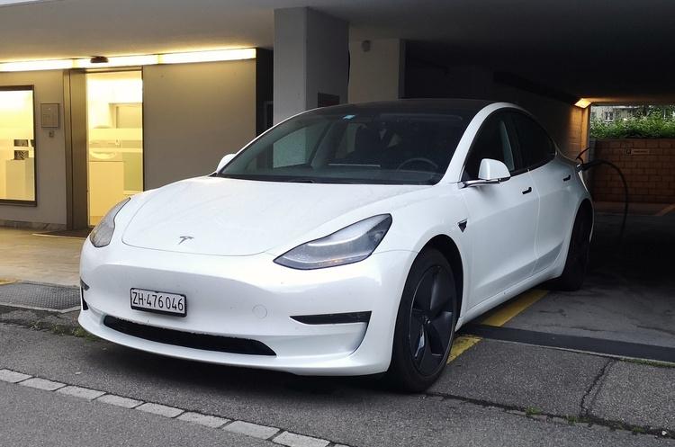 Маск розповів, чому дорожчають електрокари Tesla