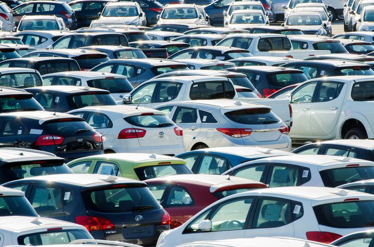 Впродовж минулого місяця українці придбали майже 8500 нових легкових авто