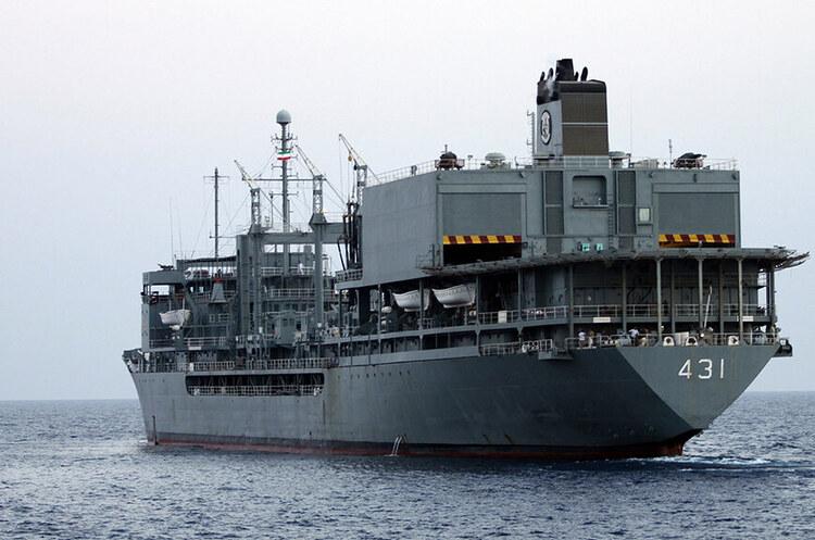 Один з найбільших кораблів Ірану затонув в Оманській затоці після пожежі – ЗМІ
