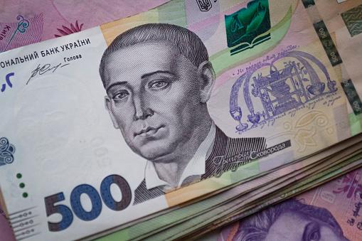 Уряд виділив 400 млн грн на виплату лікарняних