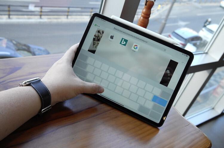 Apple працює над iPad Pro з бездротовою зарядкою та новим iPad Mini