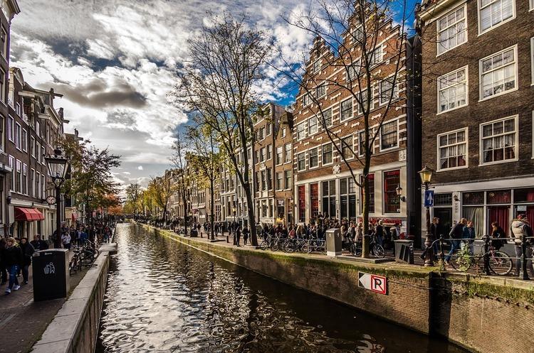 В амстердамських каналах з'являться автономні човни