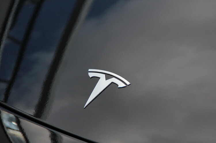 Tesla офіційно скасувала запуск Model S Plaid Plus