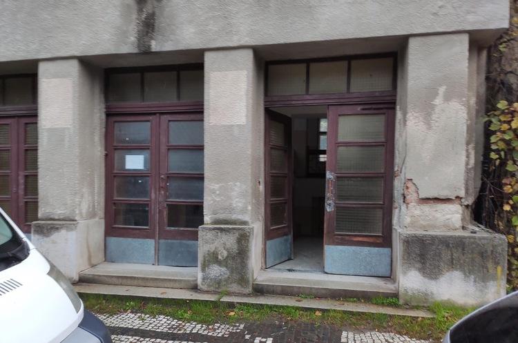 Фонд держмайна шукає орендарів для великого приміщення в Ужгороді