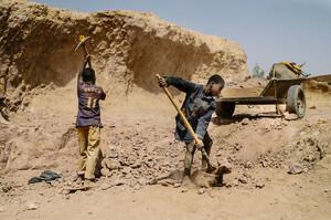 Число працюючих дітей у світі досягло 160 млн осіб