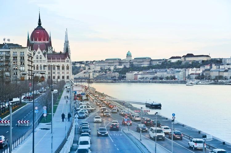 Україна й Угорщина взаємно визнали свідоцтва про вакцинацію від COVID-19 – Кулеба