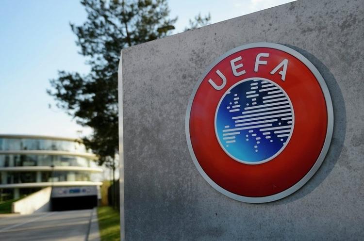 Німецькому журналісту, який писав про зв'язок між УЄФА і «Газпромом», заборонили в'їзд в Росію