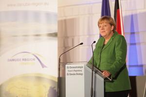 Важливо, щоб Україна залишалася країною-транзитером газу – Меркель