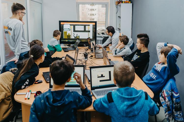 Формула освіти: як заохотити дітей до навчання за допомогою IT
