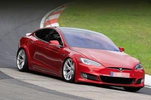«Цей електромобіль перемагає»: Ілон Маск представив нову Model S Plaid (ВІДЕО)