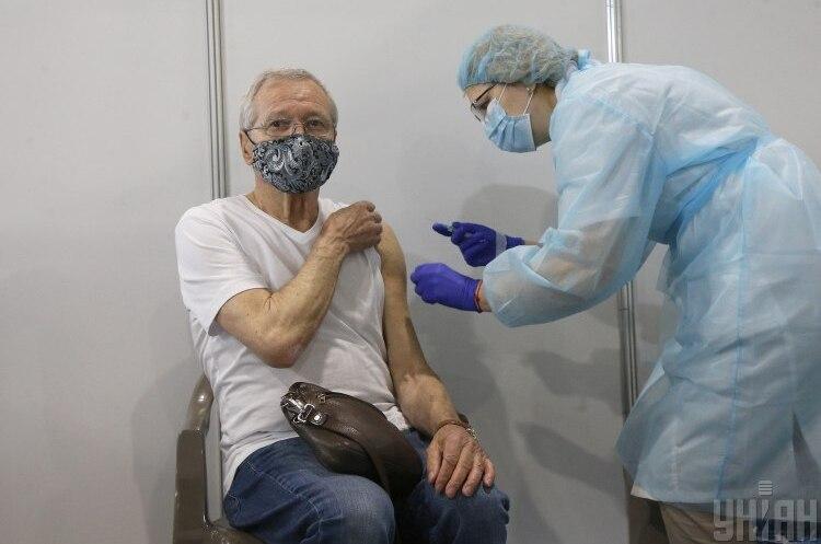 У Києві скасували масову вакцинацію проти COVID-19 у МВЦ на найближчі вихідні