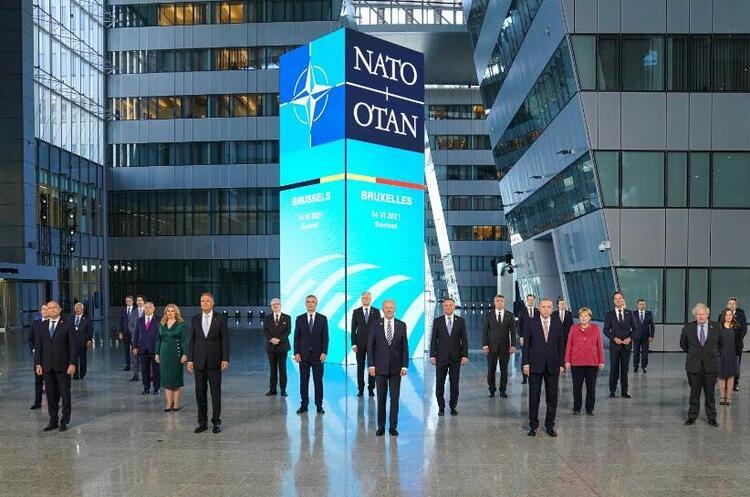 Члени НАТО об'єднуються, щоб протистояти зростаючим загрозам з боку Росії і Китаю