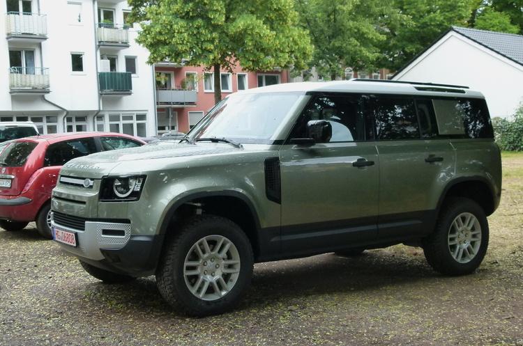 Jaguar Land Rover взявся за розробку водневого культового позашляховика Defender