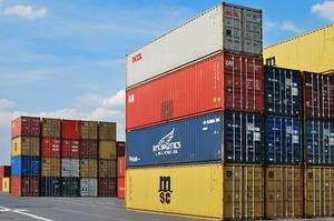 У найбільших китайських портах – спалах коронавірусу, це загрожує кризою всій світовій торгівлі
