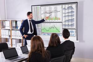 «На роботі не поважають»: експерти оцінили втрати економіки від стресу працівників у $8 трлн щороку