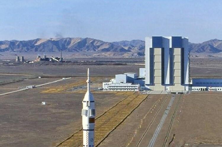 Китай відправить перших космонавтів на власну космічну станцію вже завтра
