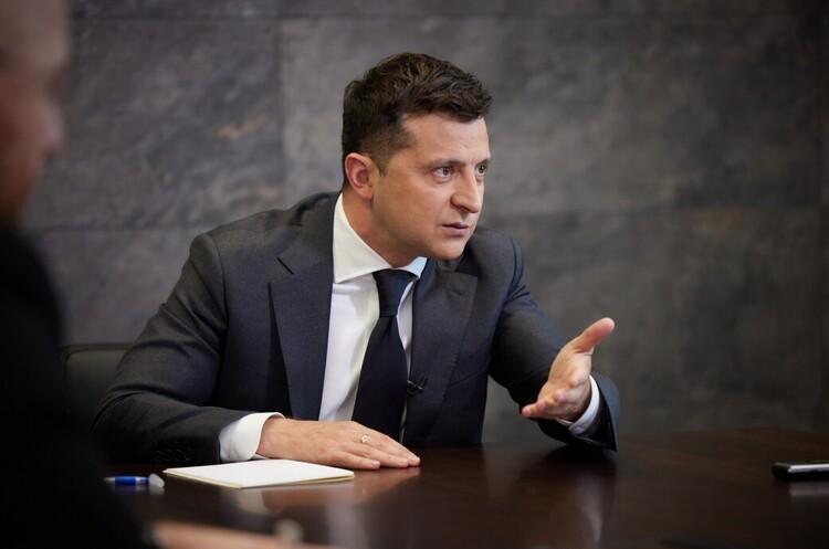 Зеленський заявив, що російська сторона «занадто відтягує» його зустріч з Путіним