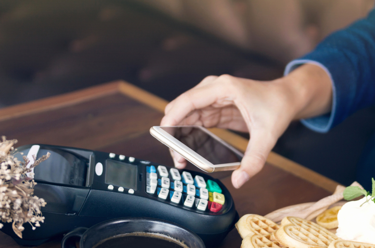 В Британії частка платежів у готівці знизилася на 35% на тлі пандемії