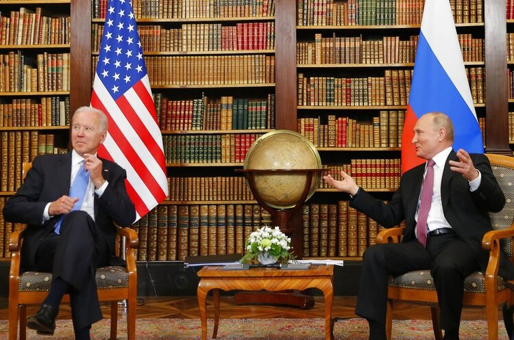 Управляемая конфронтация: итоги первой встречи Байдена и Путина
