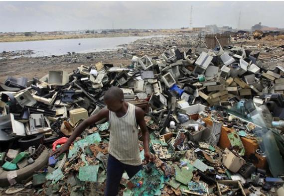 «Цунамі електронного сміття»: ООН закликає уряди зайнятися переробкою викинутої техніки