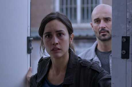 Іспанське «Полювання», британське «Без образ», містична «Незнайомка» і не тільки: які серіали варто подивитися в червні