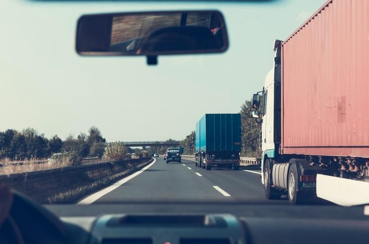 Київ обмежив в'їзд вантажівок до міста через спеку