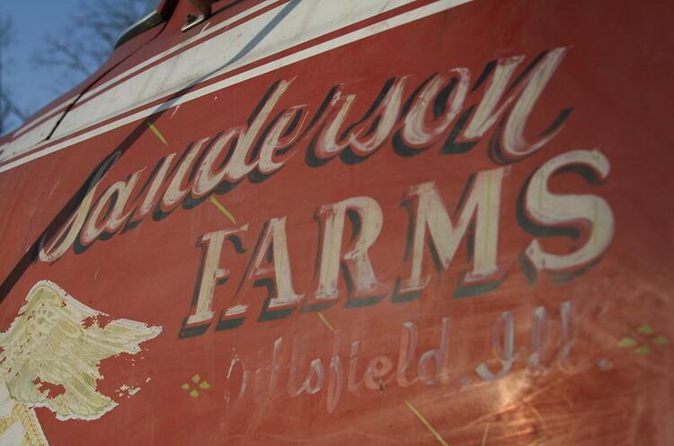 «Курячий гігант»  Sanderson Farms задумався про продаж на тлі зростання попиту на курятину у США