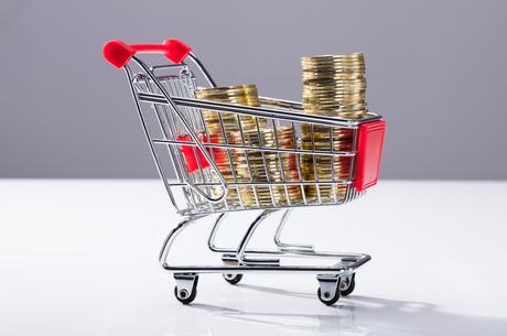 Накопичувати vs інвестувати: куди варто вкладати мінімальні гроші