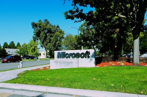 Капіталізація Microsoft вперше перевищила $2 трлн