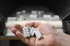Lego буде виробляти деталі конструктора з перероблених пластикових пляшок