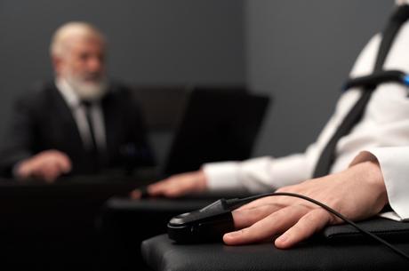 Довіряй, але перевіряй: як викрити шахраїв серед співробітників