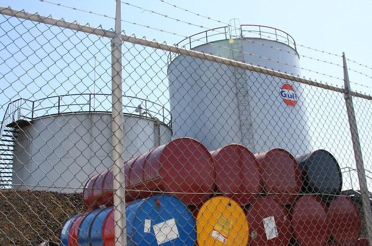 Світовий видобуток нафти виросте більше, ніж глобальне її споживання– EIA
