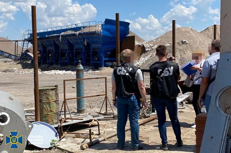 СБУ припинила діяльність компаній, що незаконно видобували граніт у Миколаївській області