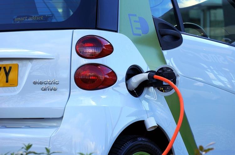 До кінця року в США з'явиться 10 нових моделей електромобілів