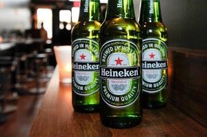 Користувачі Twitter закликали бойкотувати пиво Heineken через рекламу вакцинації