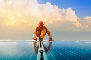 Глобальні потужності вітрової та сонячної енергії зросли рекордними темпами в 2020 році