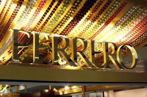 Группа Ferrero продолжает отказываться от пластика