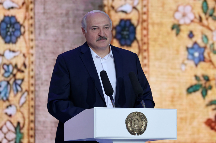 Лукашенко офіційно дозволив залучати армію до розгону протестів