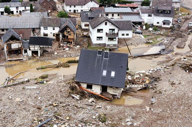 Німецькі футбольні клуби допоможуть грошима постраждалим від повеней на заході ФРН