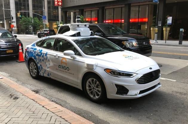 Ford запустить у США безпілотне таксі уже в цьому році