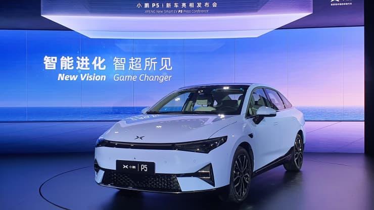 Новий китайський електромобіль Xpeng коштує всього $25 000
